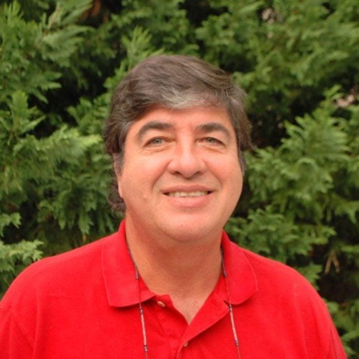 Headshot for Eduardo Velez Bustillo