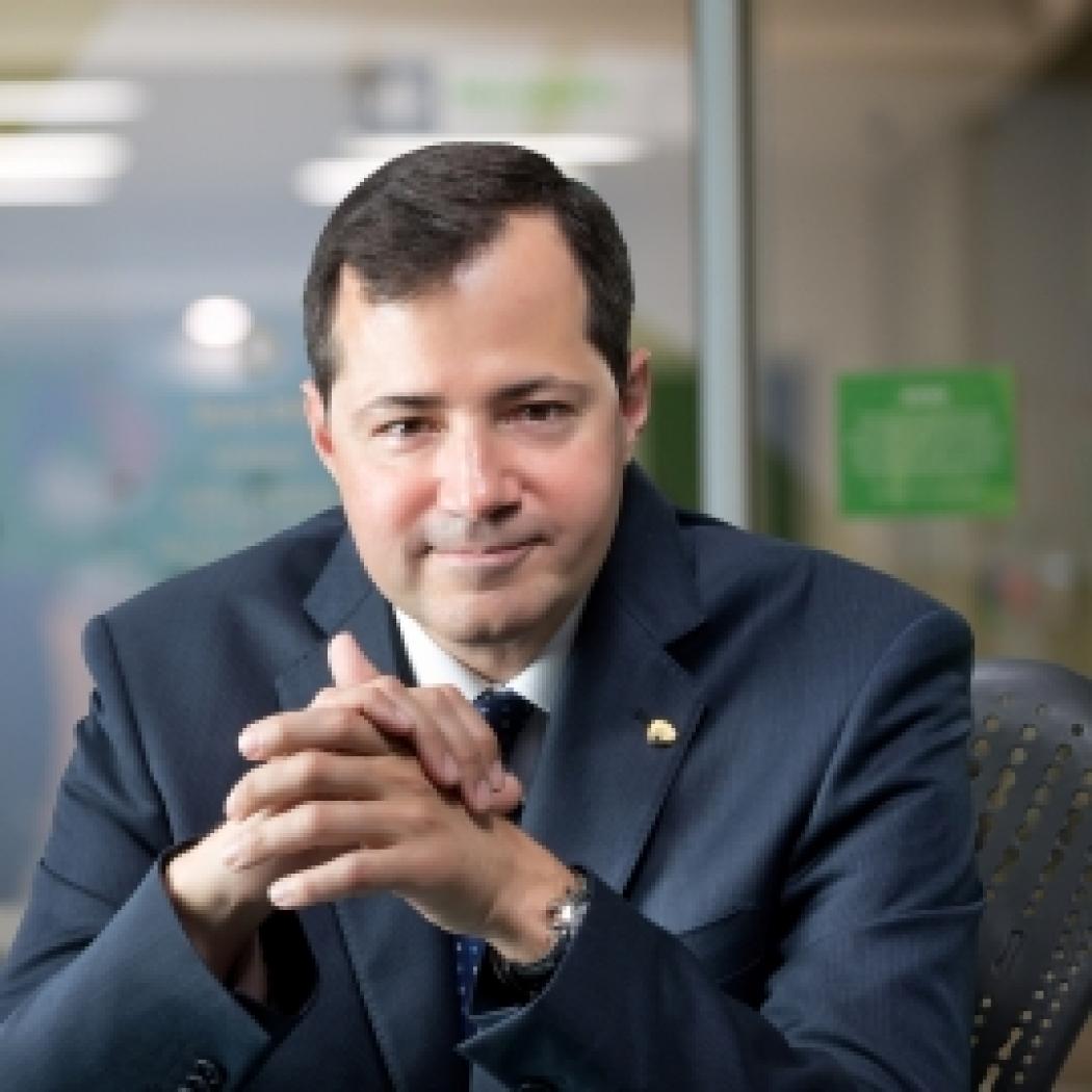 Headshot of Steven Puig